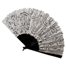 Lovely Vintage Spanish, Brazilian Hand Made Lace Ladies Fan