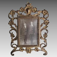 Pretty Antique Victorian, Edwardian Picture Frame with Daisy Flowers