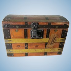 Antique Advertising Doll Trunk, Lily White Gloss Starch