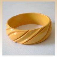 """Wide Deeply Carved BAKELITE Bracelet 1"""""""