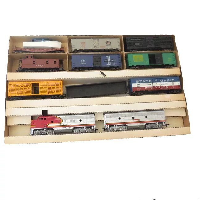 1950s Athearn HO Scale Santa Fe Freight Train Set In