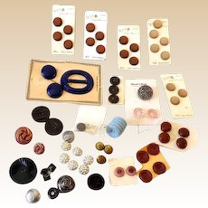 Lot of Vintage Buttons Most Still on Card