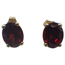 Vintage 14k Earth Mined Garnet Gemstone Pierced Earrings, Gorgeous!