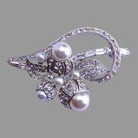 Boucher Pearl Pin 1940-1950's