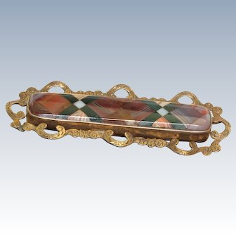 Early Low Carat Gold Scottish Agate Brooch