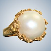 Estate 18K Hand Made Mabe Pearl Ring