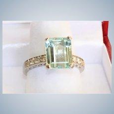 Estate 14KW 4.03 CT Aquamarine and Diamond Ring