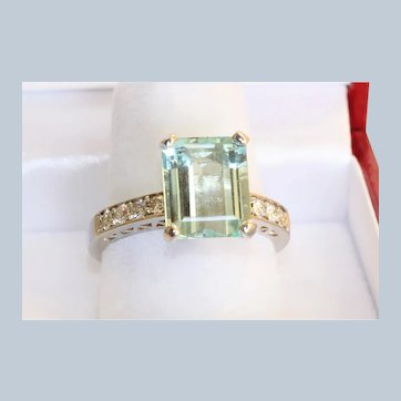 Estate 14KW 4.03 CT Aquamarine and Diamond Ring