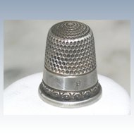 Vintage Sterling size 8 Thimble