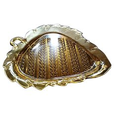 "Amber eapg, Bryce #1000, ""Diamond Quilted"" leaf shaped plate"