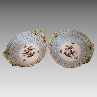 "Pair of Herend porcelain baskets pattern ""Rothschild"", 1st half 19th century"