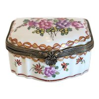 Vintage porcelain trinket box, early 20th century