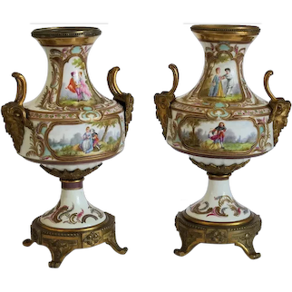 Antique pair of French Napoleon III porcelain vases, 19th century