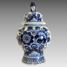Delft blue porcelain vase Royal Goedewaagen,  hand painted, 20th century