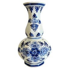 Delft blue porcelain vase, signed, dated 1st half 20th century