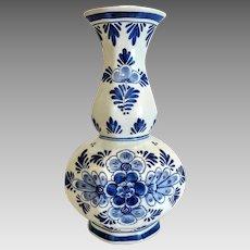 Delft blue porcelain vase, signed, dated 1st half 20th century