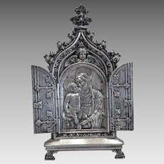 Antique Tryptich depicting the Holy Virgin holding the Christ Child, 19th century
