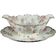 Haviland Limoges France Gravy Boat with Attached Plate Schleiger 39-3