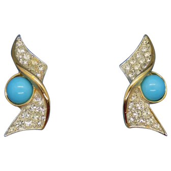 Sarah Coventry 1969 Ultra Fashion Collection Blue Bahama Clip Earrings in Box