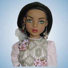 Tonner ~ LIZETTE Doll ~ Wearing Does This Make Me Look Too Happy