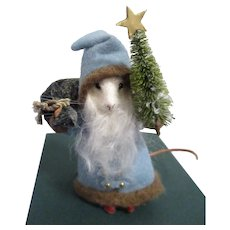 """R John Wright MIB """"Kris Kringle Mouse"""" from The Father Christmas Mice Series"""