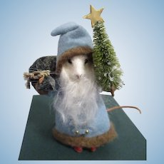 "R John Wright MIB ""Kris Kringle Mouse"" from The Father Christmas Mice Series"