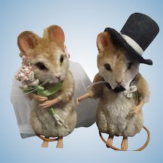 "R John Wright MIB ""Forever - Bride and Groom Mice"""