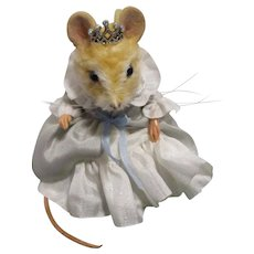 """R John Wright MIB """"Cinderella"""" Mouse from The Fairy Tale Series"""