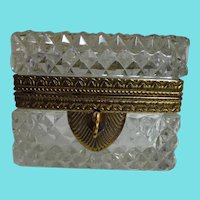 Beautiful Lead Crystal Hand Cut Diamond Pattern Locking Treasure Box