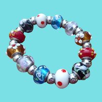 Pretty ART GLASS Bead Stretch Bracelet Wedding Cake & Charm Beads