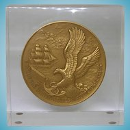 1975 Bicentennial Birth Of The Navy Medal In Lucite Paperweight