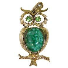 Cute Vintage Owl Pendant - Goldtone with Green Belly & Eyes - Movable Head