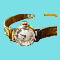 Beautiful 1970s Women's Baume & Mercier 18K Gold Wristwatch & Band - As Found