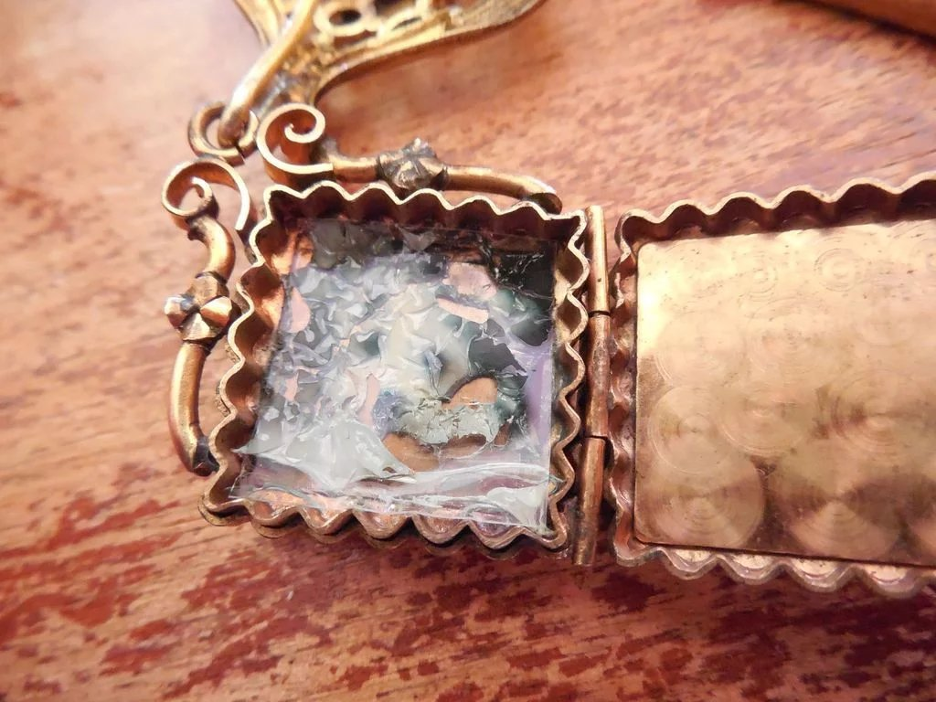 Victorian Hanging Pendant Locket Brooch Heart Shaped