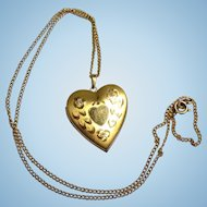 Pretty Vintage Signed Heart Shaped Locket With Flowers - 1/20 14k Gold
