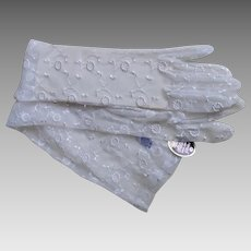 Gorgeous Long White Wedding Gloves With Floral Pattern - NOS Stetson Gold Label In Original Box With Original Tags