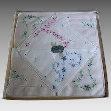Vintage Vogue Hand Embroidered Linen Handkerchief Set In Original Box