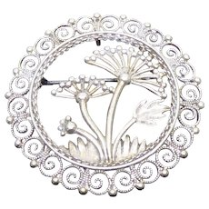 Lovely Scandinavian 830S Silver Brooch by Sylvsmidja - Botanical Design of Wild Parsnip