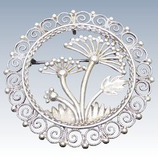 Lovely Scandinavian 830S Silver Brooch by Sylvsmidja - Botanical Design of Wild Parsnip