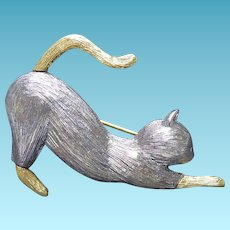 Adorable Signed Liz Claiborne Pouncing Cat Brooch - Textured Two Tone Gold & Silver