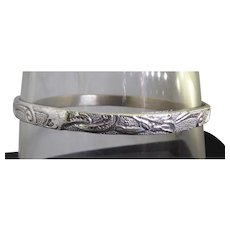 Beautiful Vintage Mexican Sterling Silver Bangle Bracelet Repousse Flower Design