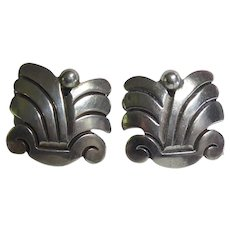 1940s Hector Aguilar Screw On Earrings - Aztec Design Taxco 940 Mexican Sterling Silver
