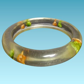 Vintage Clear Lucite Bangle Bracelet With Dried Flower Inclusions