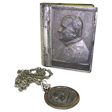 Vintage Pope Paul VI Necklace In Keepsake Pope Joannes XXIII Book Look Box