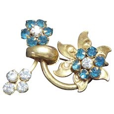 Beautiful Older Vintage Flower Brooch With Teal & Clear Rhinestones