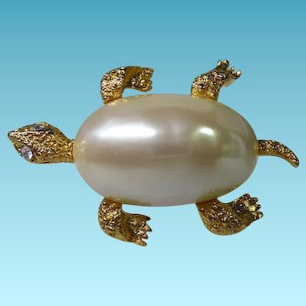 Adorable Signed Marvella Pearly Goldtone Turtle Brooch With Crystal Eyes