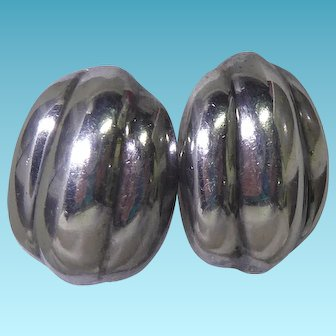 Vintage Mexican Sterling Silver Ribbed Bean Earrings Signed Los Ballesteros MM-34