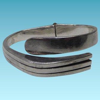 Modernist Mexican Sterling Silver Hinged Fork Bracelet Eagle 3 Mark & Signed Beto S