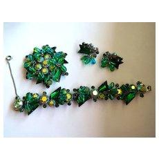 Impressive Juliana D&E Parure Jewelry Set - Blue Green Arrow & Dangling Stones - Silvertone Rhodium Plated