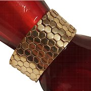 Trifari golden tessellated honeycomb bracelet 1945 Alfred Philippe